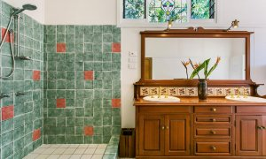 Paradise - Bathroom