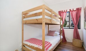 Petrel By The Sea - Nobby's Beach - Bedroom 3