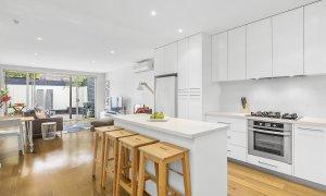 Port Haven - Port Melbourne - Kitchen to Living Area
