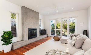 Queen Adelaide - Blairgowrie - Lounge and Fireplace