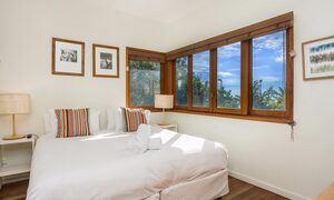 Quiksilver Apartments - The Wreck - king bed
