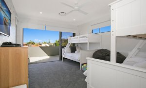 Ray Of Sunshine - Broadbeach Waters - Bedroom 2