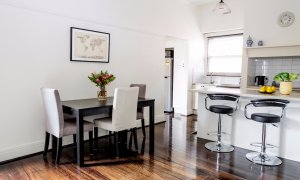 Riversdale Cottage Melbourne - Kitchen and Dining