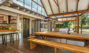 Rockinghorse House - Byron Hinterland - Outdoor Dining table on deck