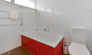 Sandy Haven C - Sandringham - Bathroom b