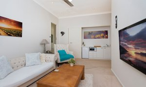 Sandy Shores - Gold Coast - Broadbeach - Studio living area