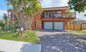 Sea Breeze - Lennox Head - House from Front