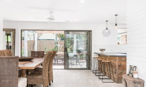 Sea Salt - Byron Bay - Dining Area Looking To Kitchen