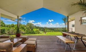 Serene Myocum - Byron Bay - Covered Outdoor Deck with Hinterland Views