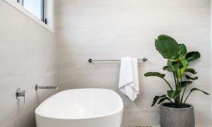 Shore Beats Work - Byron Bay - Bathroom c