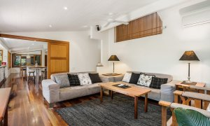 Stone and Grove - Byron Bay - Ewingsdale - living room