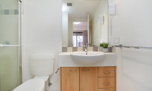Sunset In Surfers - Gold Coast - Ensuite