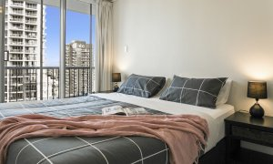 Surf Moon - Surfers Paradise - Master Bedroom