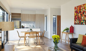 The Aspy - Aspendale - Dining and Kitchen Area