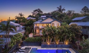 The Lazy Leprechaun - Byron Bay - Exterior From Rear b