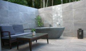 The Luxury Eco Rainforest Retreat - Currumbin Valley - Outdoor Area with spa bath