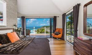 The Palms at Byron - Wategos Beach - Byron Bay - Styled Bedroom with a view
