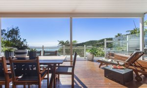 The Palms at Byron - Byron Bay - Main Floor Outdoor Dining and View b