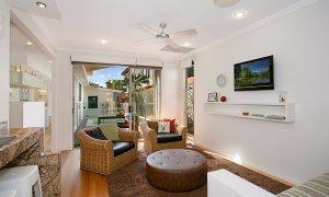 Toby's Beach House - Mermaid Beach - Living Area 1