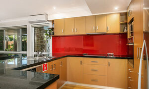Tradewinds 4 - Clarkes Beach - Kitchen b