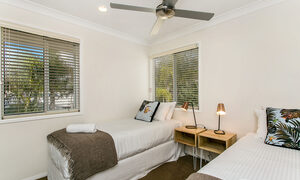Tradewinds 4 - Clarkes Beach - Twin Bedroom
