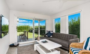 Villa St Helena - Byron Bay - multiple sitting areas