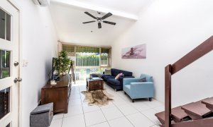 Villa on the Boulevard - Hooker Boulevard, Broadbeach - Living Area