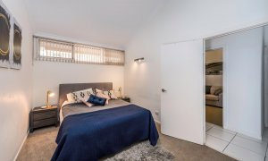 Villa on the Boulevard - Hooker Boulevard, Broadbeach - Master Bedroom