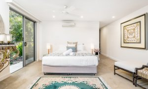 Vue From Here - Byron Bay - Master Bedroom d