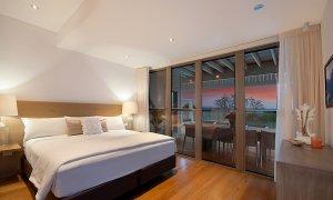 Vantage Over Byron - Bedroom