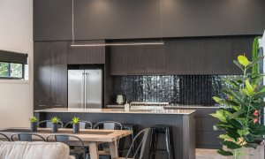 Wollumbin Haus - Byron Bay - Kitchen and dining
