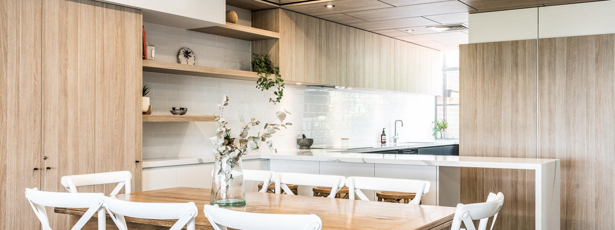 11 James Cook - Byron Bay - Kitchen and Dining
