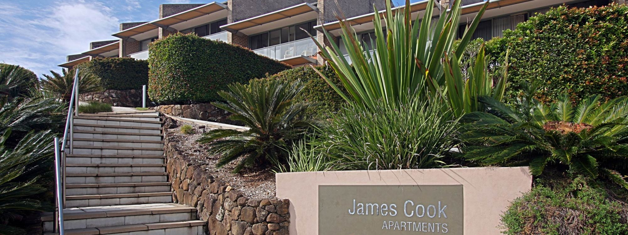 11 James Cook Apartment Clarkes Beach Byron - Front of building
