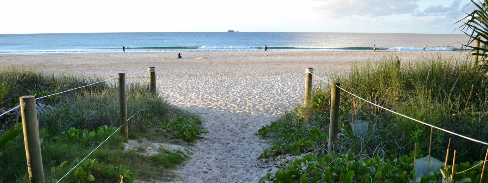 ByronÔÇÖs famous Clarkes Beach is just a 3 minute drive from The Lily Pad along scenic Skinners Shoot Rd.