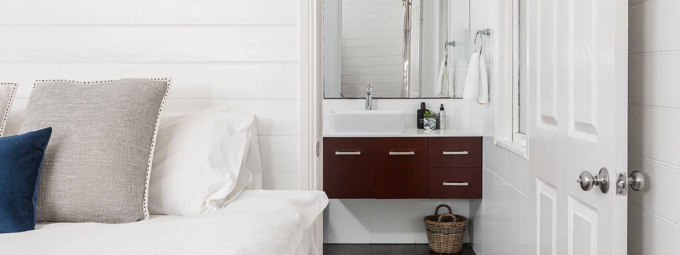 Aaloka Bay - Byron Bay - Master bedroom c