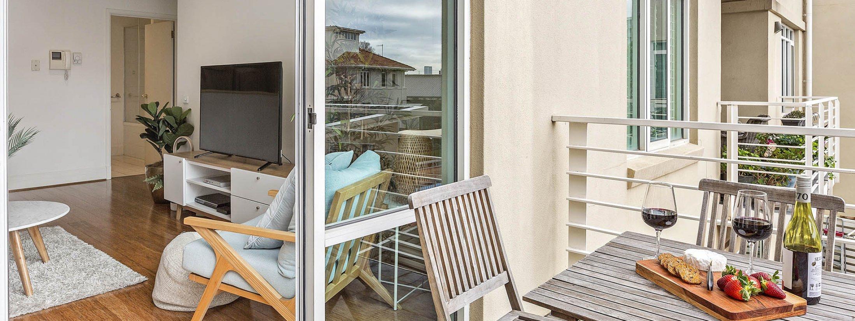 Alberts on Esplanade - Port Melbourne - Balcony b
