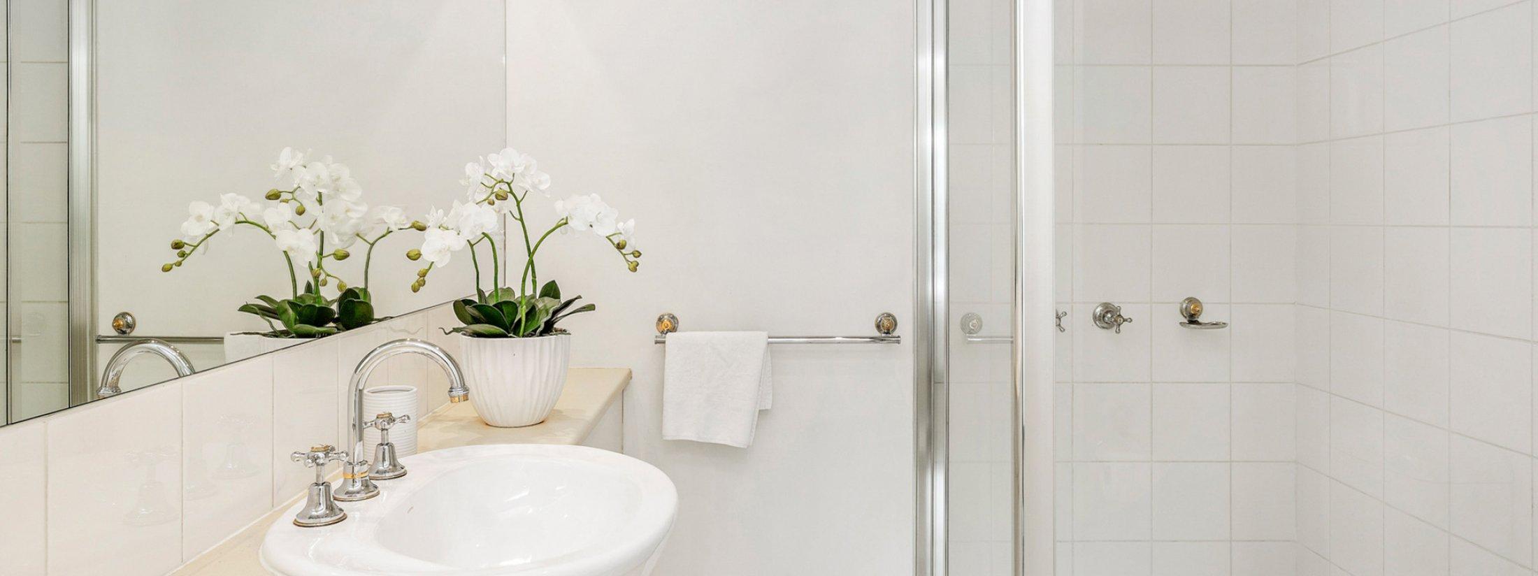 Alberts on Esplanade - Port Melbourne - Ensuite Bathroom