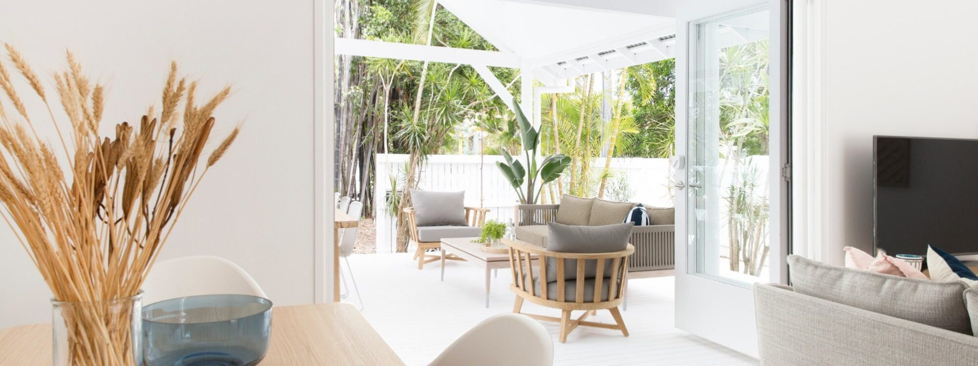 Barrel and Branch - Byron Bay - lounge room looking out towards deck