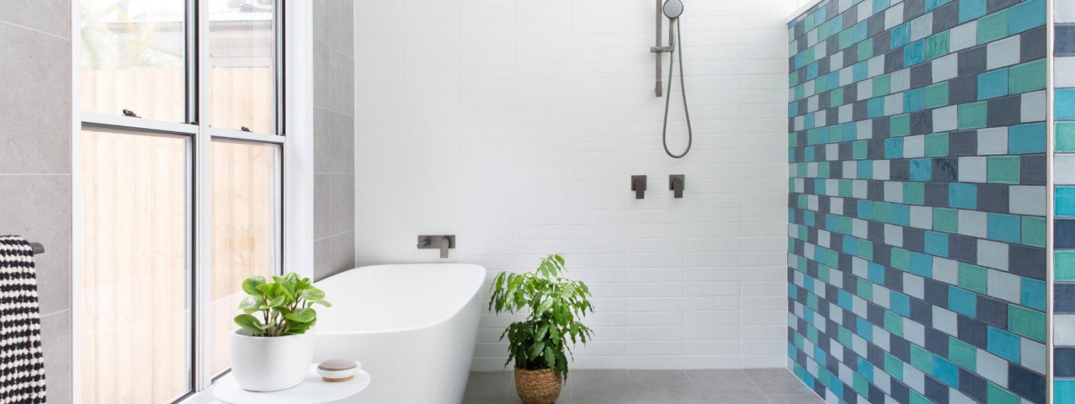 Barrel and Branch - Byron Bay - master bedroom ensuite with bath