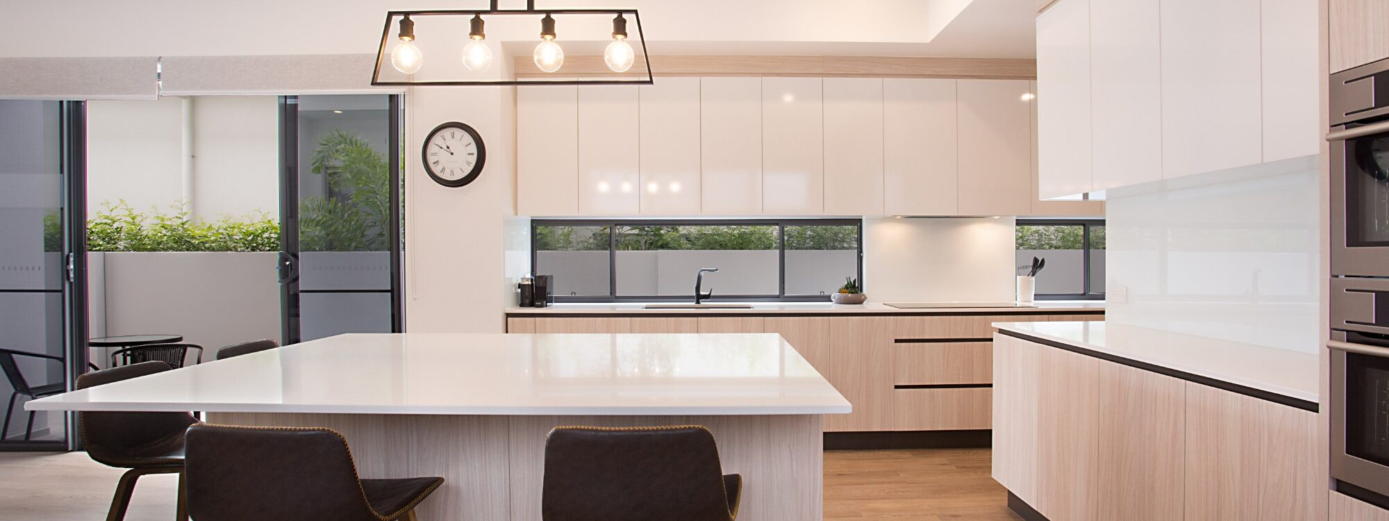 Bay Breeze - Broadbeach waters - Gold Coast - Fully Equipped Kitchen