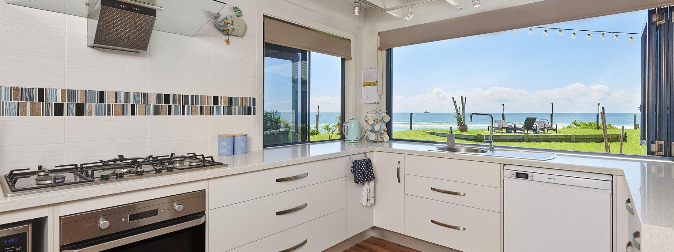Belongil on The Beach - Byron Bay - Kitchen View