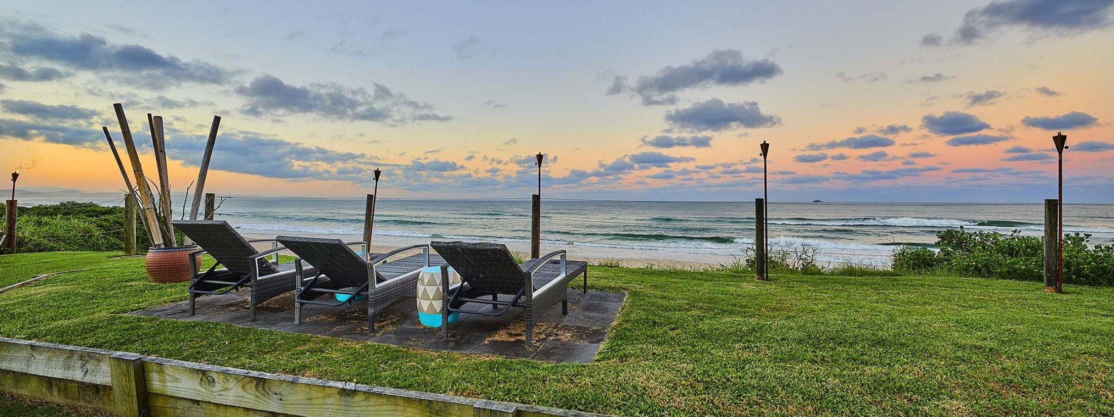 Belongil on The Beach - Byron Bay - Ocean View at Dusk