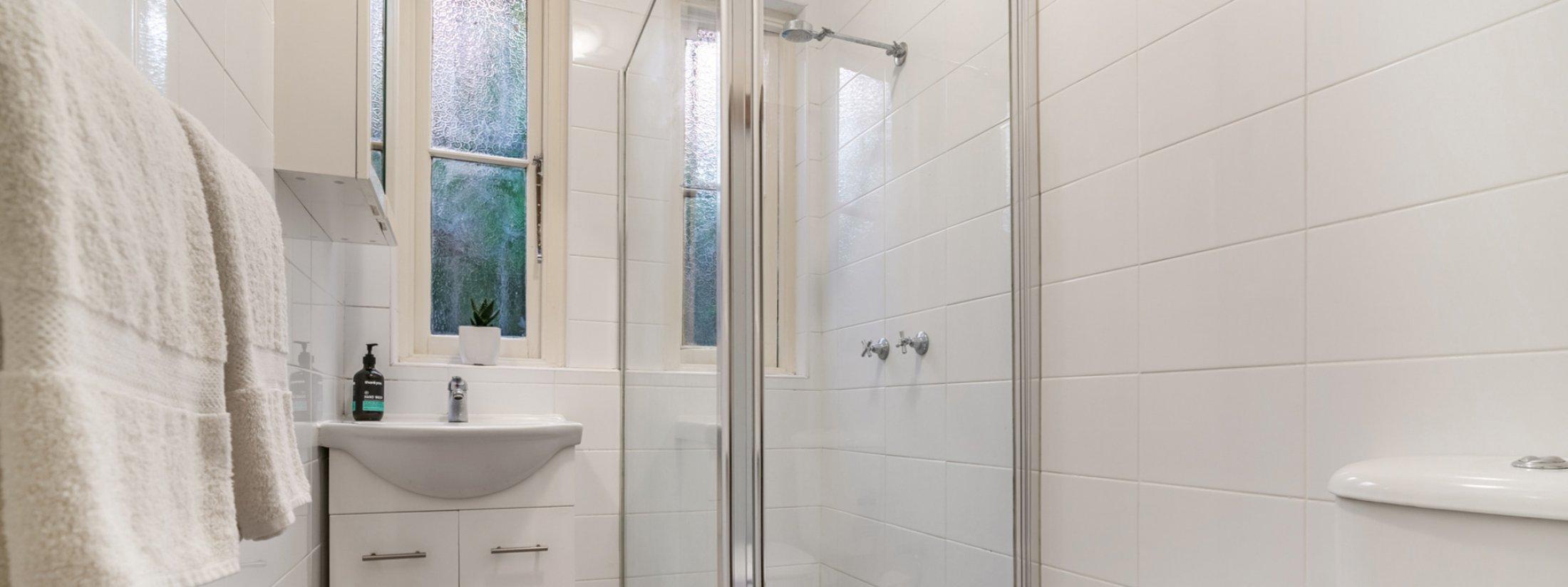 Bondi Beach Peach - Bathroom