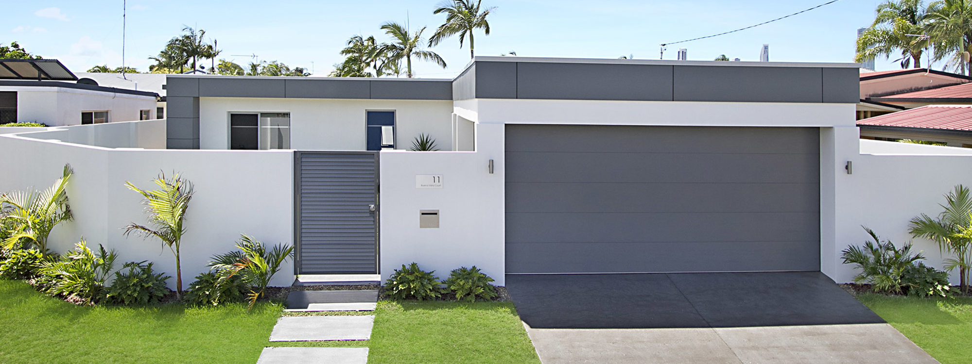 Buena Vista - Broadbeach Waters - Front of House