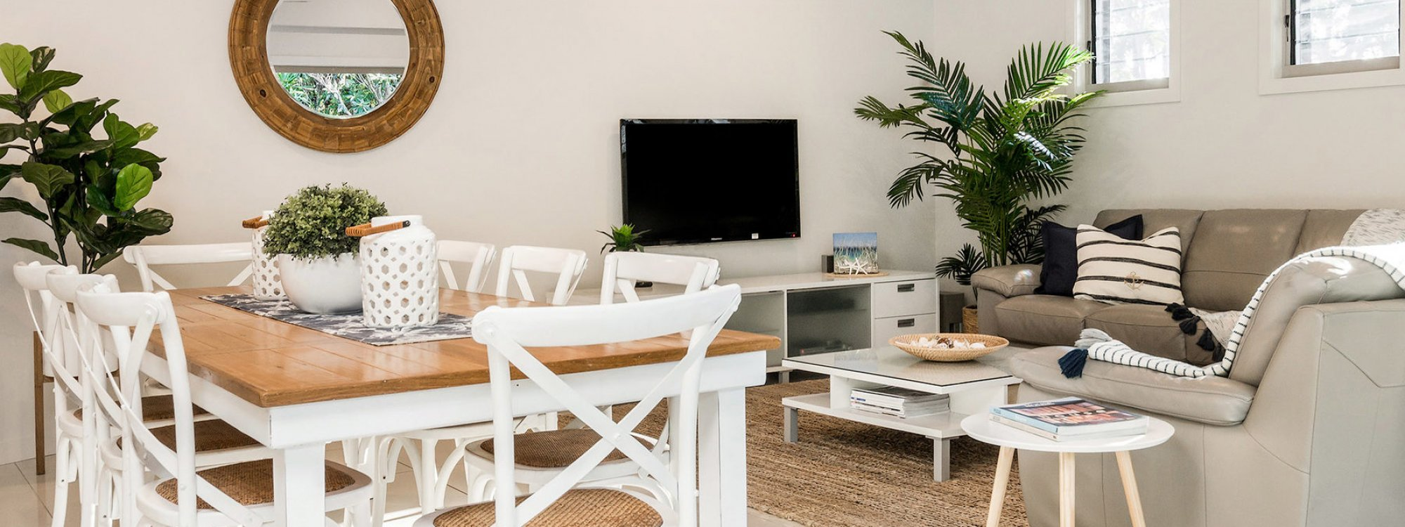 Byron Beach Style - Byron Bay - Dining and Lounge