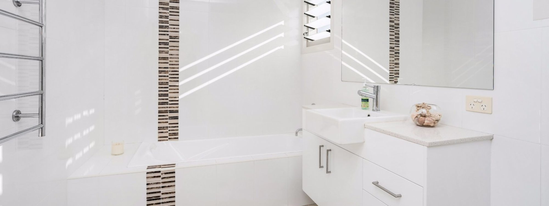 Byron Beach Style - Byron Bay - Upstairs Bathroom