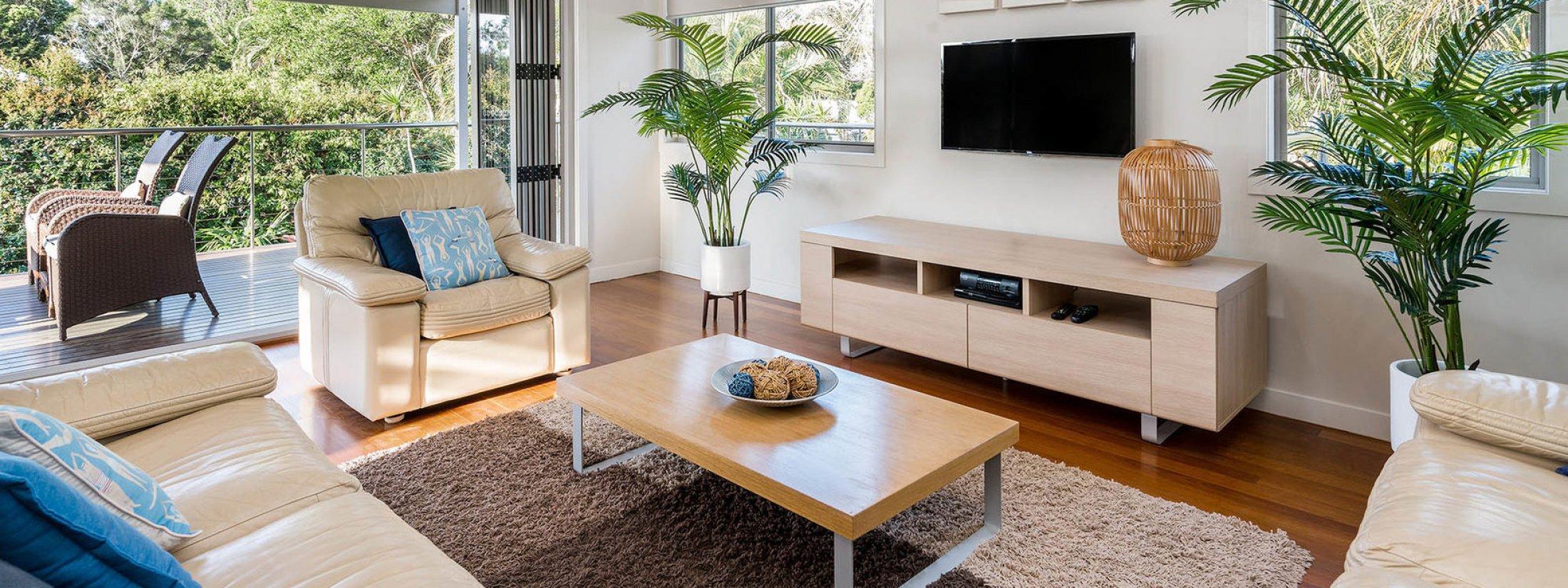 Byron Beach Style - Byron Bay - Upstairs Lounge b