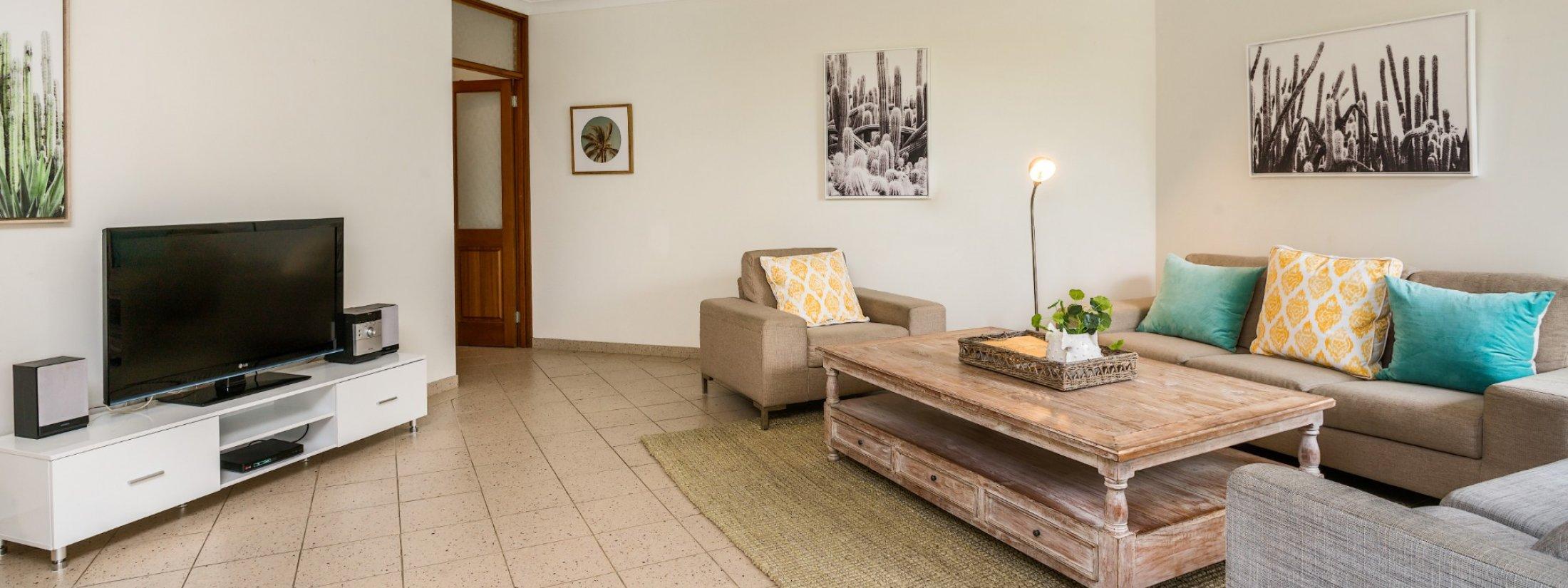 Byron Breeze 5 - Byron Bay - Clarkes Beach - lounge room