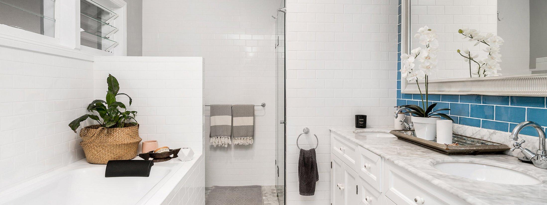 Byron Hills Hinterland Retreat - Byron Bay - Bathroom Shared with Bath