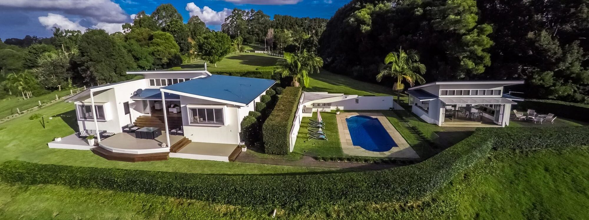 Byrons Brae - Byron Bay - Aerial Front of House b